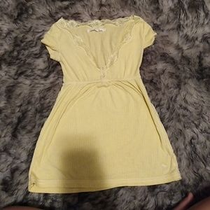 A&F yellow top